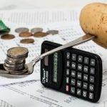 Odkładanie pieniędzy na emeryturę